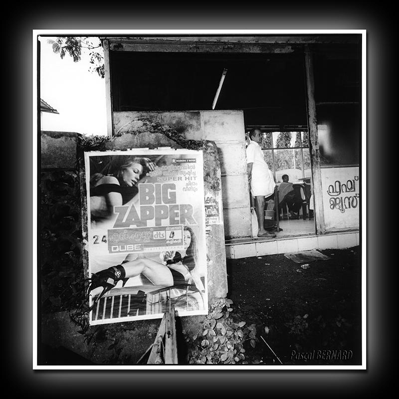 2012 affiche inde 006