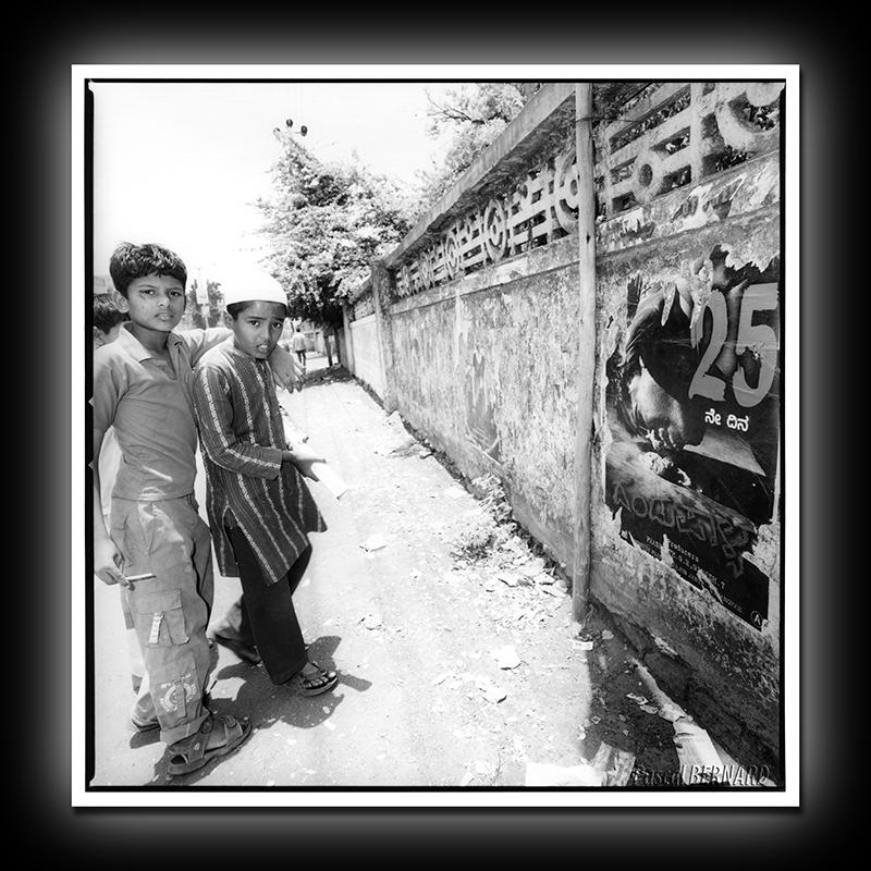 2012 affiche inde 018